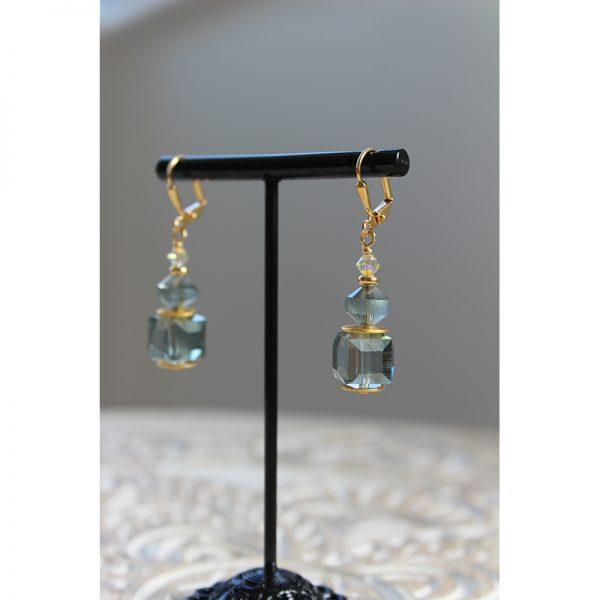 Amazon-Delight-cubed-short-earrings-KL-1484
